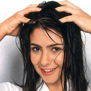use jojoba oil on hair